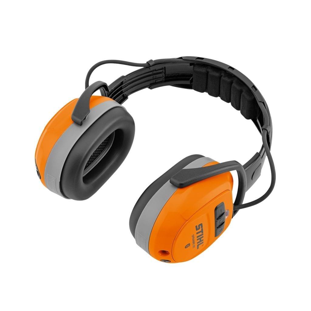 Der neue Gehörschutzbügel DYNAMIC BT mit Bluetooth-Funktion ist optional auch im Set mit Nylonvisier oder Gesichtsschutzscheibe erhältlich.